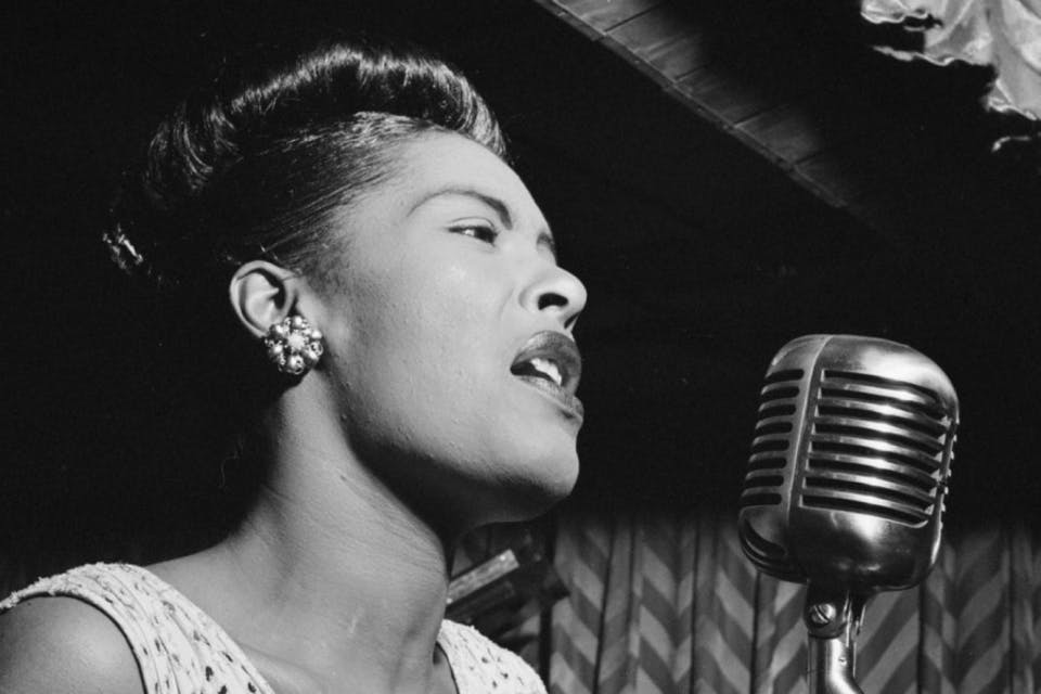 La voce indimenticabile di Billie Holiday, la