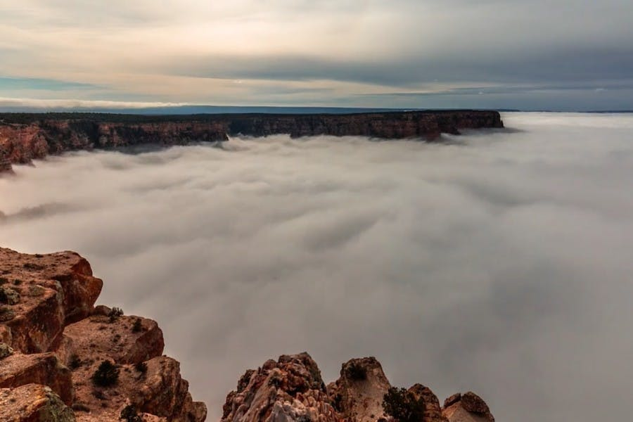 Il video sullo straordinario fenomeno dell'inversione termica tra le cime del Grand Canyon